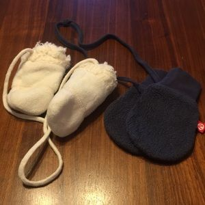 Other - mittens with strings Zutano & petit Patapon